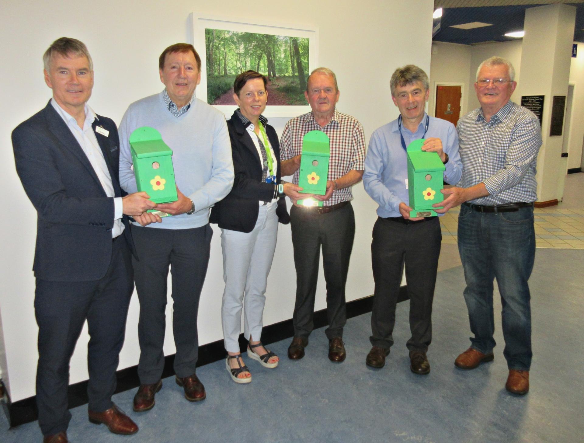 Ballyshannon Men's Shed make donation of bird boxes to Sligo