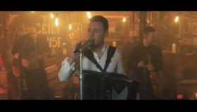 Nathan Carter's latest radio song release - Break for the Border