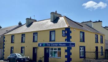 The Corner House B&B and coffee shop in Ballinagare
