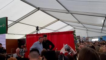 WATCH| Crowds erupt for Love Islands Greg