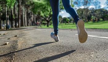 Dublin woman to run marathon this Saturday in memory of late Kinlough friend