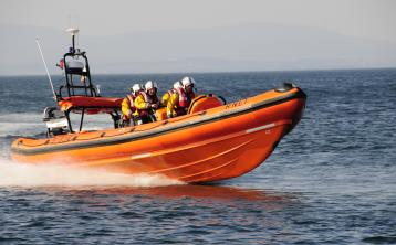 Irish Coast Guard and RNLI issue joint water safety call this Christmas/New Year period