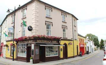 Iconic Carrick pub comes onto the market