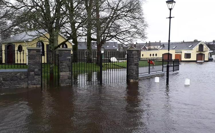 WATCH: Footage of flooding near the Leitrim County Council offices in Carrick-on-Shannon