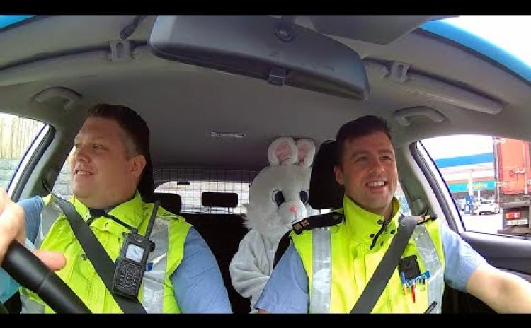 WATCH | Garda escort for Easter bunny in preparation for tomorrow's socially-distanced egg hunt in Ballymahon