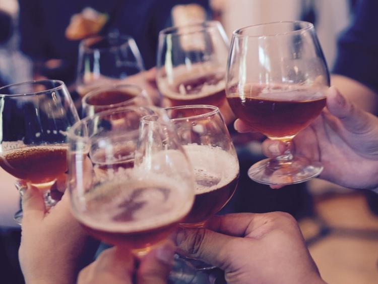 Pubs & hotel bars instructed to close